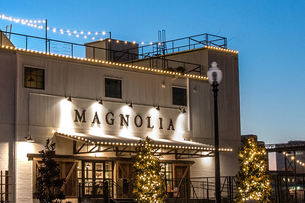 Magnolia market silos pearson construction waco texas for Magnolia farms waco tx